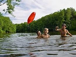 Весело купаться...